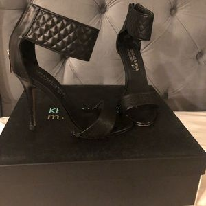 Kendall and Kylie black ankle strapped heels